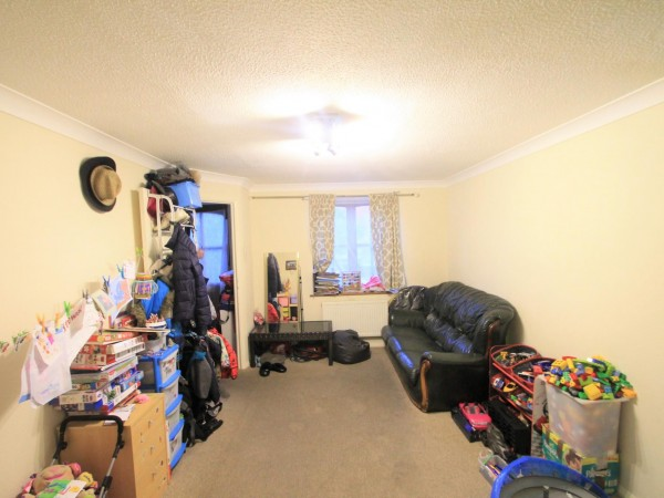 3 Bed Link Detached House For Sale - Lounge