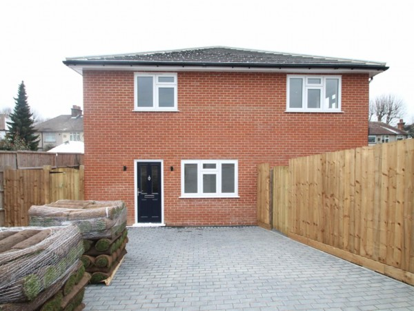 4 Bed Detached House To Rent - Photo
