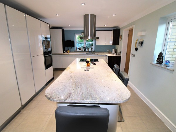 4 Bed Detached House For Sale - Kitchen