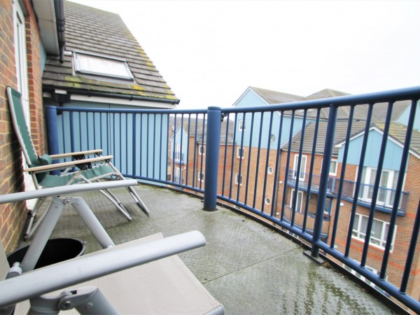 2 Bed Flat Flat/apartment For Sale - Balcony