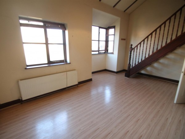 1 Bed Maisonette Flat / Apartment To Rent - Photo