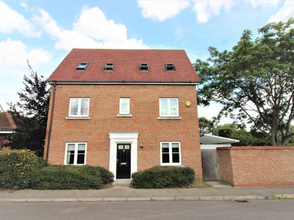 5 Bed Detached House For Sale - Front