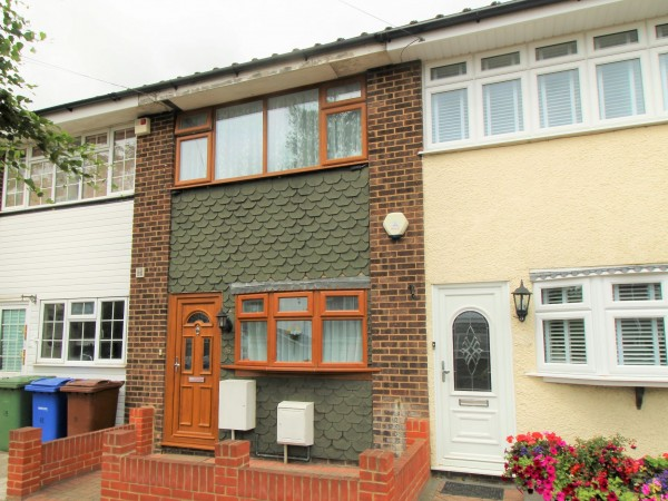 2 Bed Mid Terraced House For Sale - Photograph 10