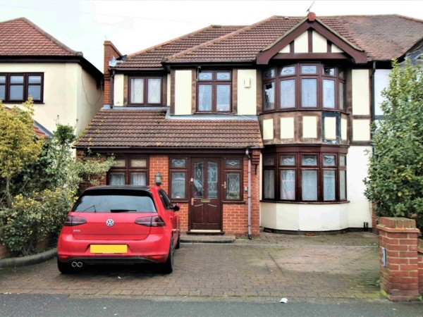 5 Bed Semi-detached House To Rent - Photo