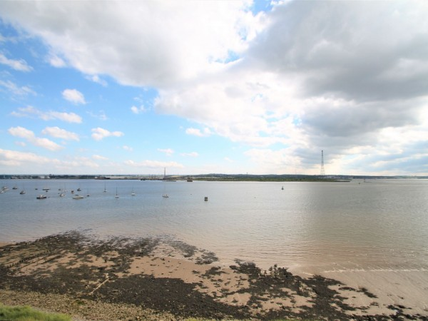 2 Bed Apartment Flat/apartment For Sale - River 1