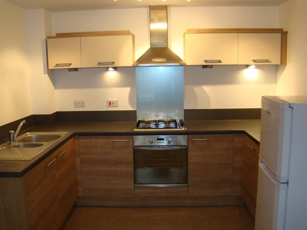 2 Bed Ground Flat Flat / Apartment To Rent - external