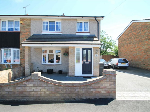 2 Bed Semi-detached House To Rent - Photo