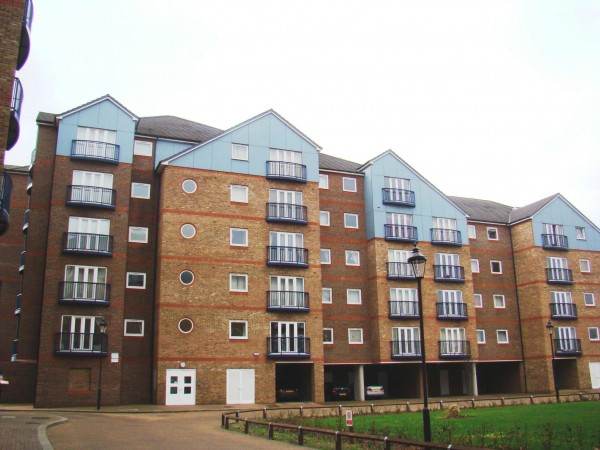 2 Bed Flat Flat/apartment For Sale - Exterior