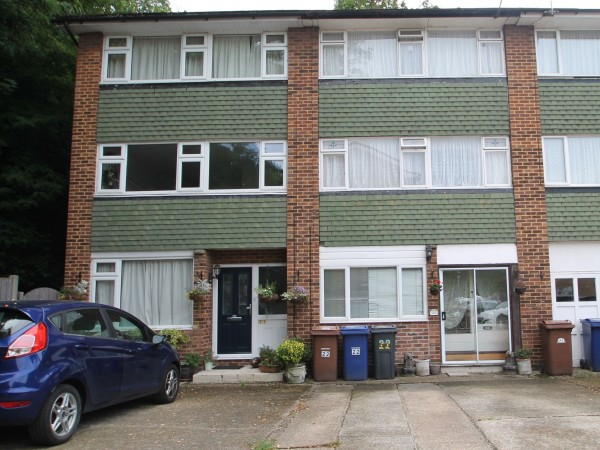 3 Bed Mid Terraced House For Sale - Front