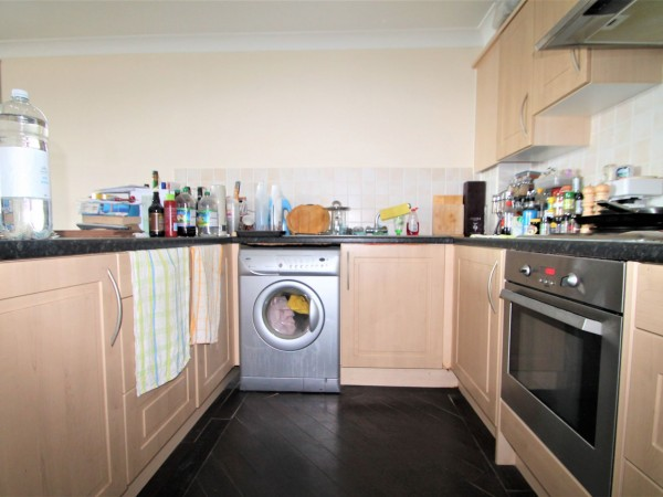 2 Bed Flat Flat/apartment For Sale - Kitchen