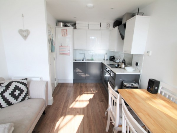 1 Bed Flat Flat/apartment For Sale - Lounge/ Kitchen