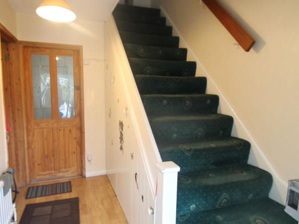 3 Bed Mid Terraced House For Sale - Hallway