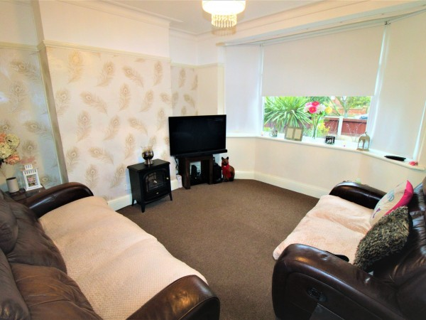 3 Bed Semi-detached House For Sale - Living Room