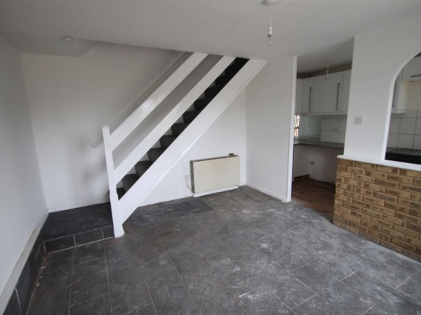 1 Bed Terraced House To Rent - Photo
