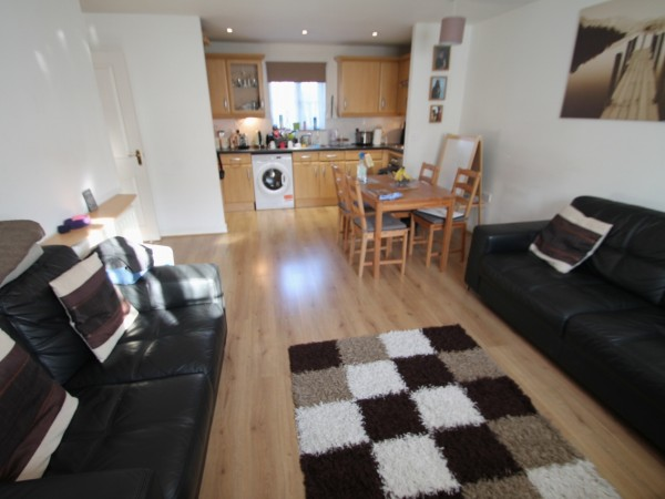 2 Bed Ground Floor Apartment For Sale - Main Image