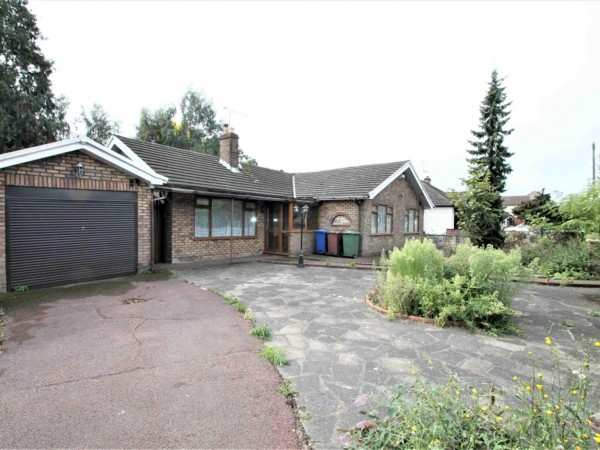 3 Bed Bungalow To Rent - Photo