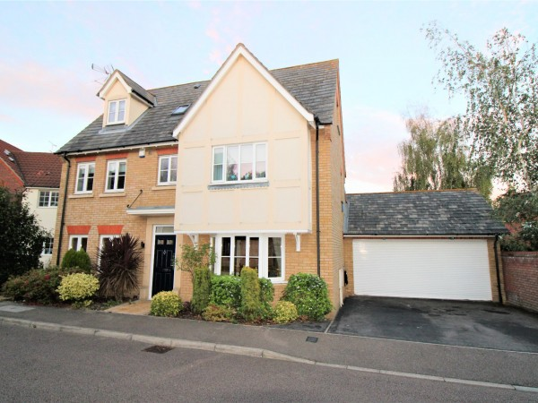 4 Bed Detached House For Sale - Photograph 7