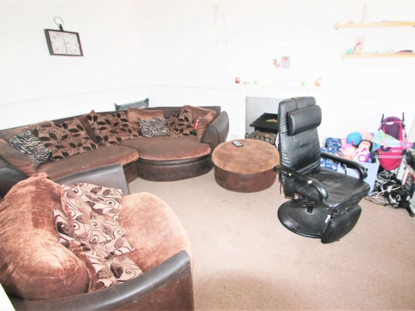 2 Bed Flat Flat/apartment For Sale - Lounge