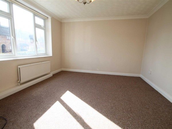 4 Bed Terraced House To Rent - Lounge Room