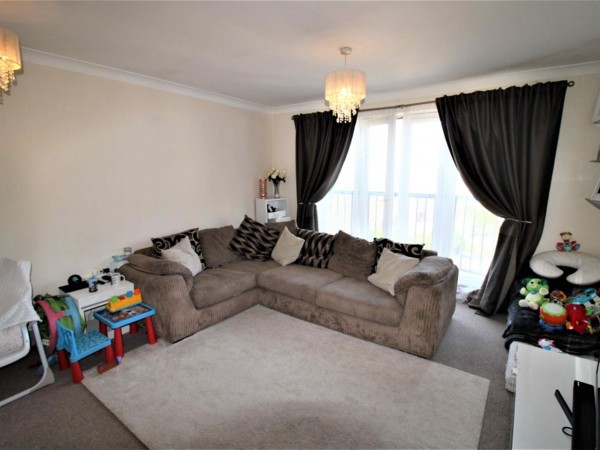 2 Bed Flat Flat / Apartment To Rent - Lounge
