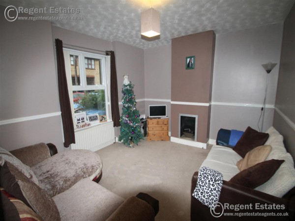 3 Bed Terraced House To Rent - Photo