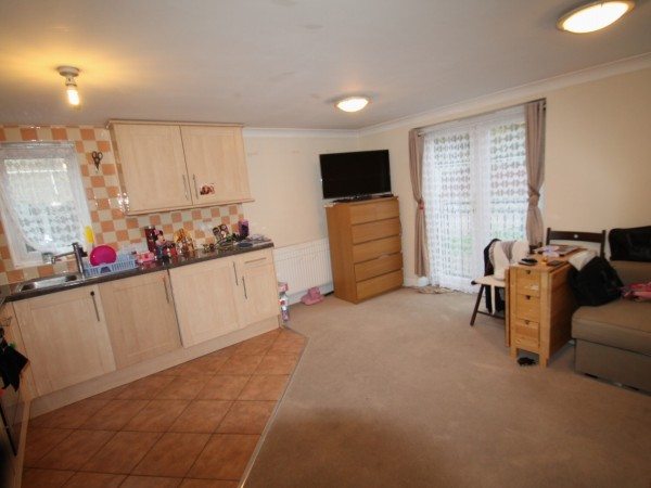 1 Bed Ground Floor Apartment For Sale - Main Image