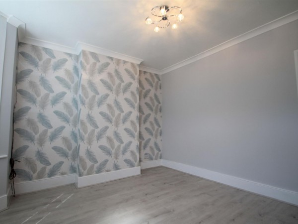 2 Bed Terraced House To Rent - Front Reception Room